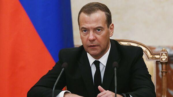 Медведев ждет объяснений от губернатора Саратова по вопросу «заваленной» мусорной реформы