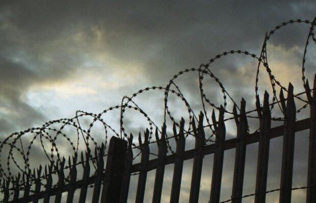 Арест Туватина, подозреваемого в убийстве девочки из Саратова, продлен