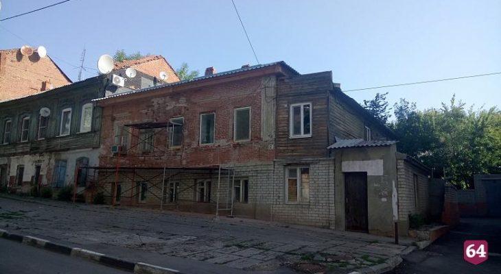 Жители дома без крыши устроят голодовку у здания правительства