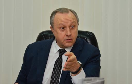 Валерий Радаев обвиняет главврача больницы г. Энгельс в недостаточно внимательном отношении к персоналу больницы