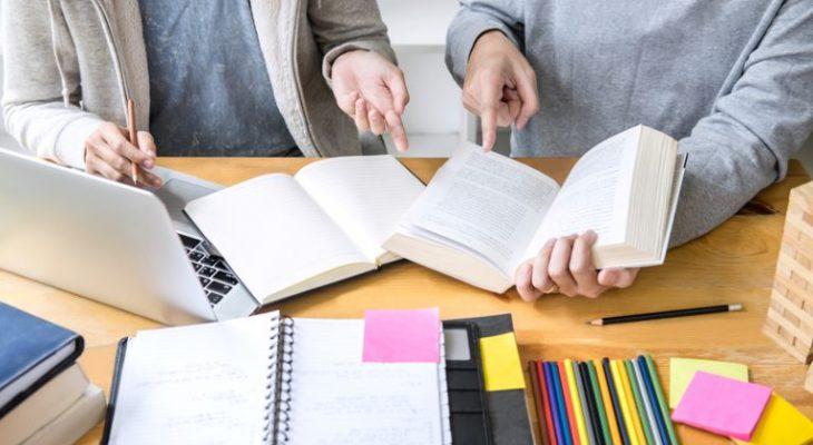 Уроки репетиторов обходятся в сумму до 3,5 тысячи рублей в неделю